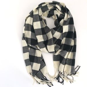 Checkered knit scarf 🧣